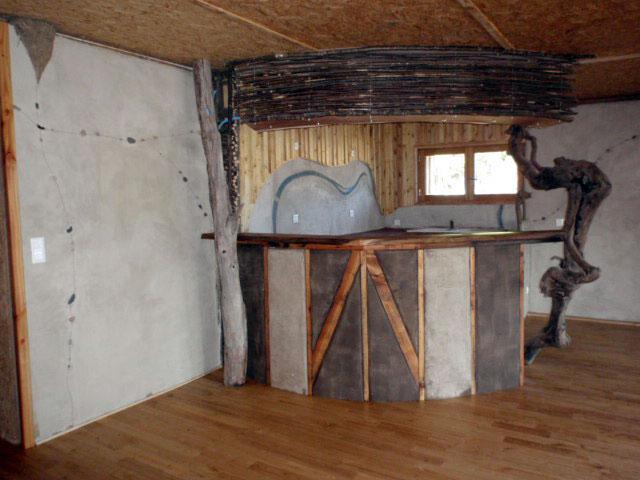 La maison bois paille l exemple de la maison des roches - Fabriquer un tabouret en bois ...